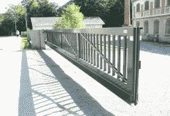 Vrijdragende poort